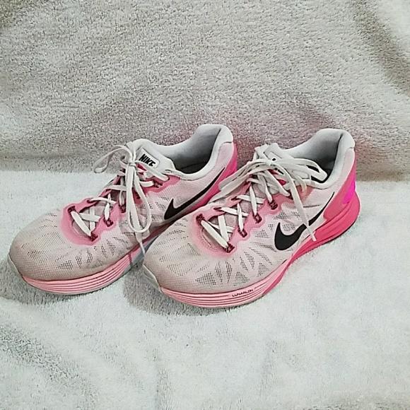 pretty nice aab99 0ef8a Nike Lunarglide 6 Size 8 Women's Sneakers